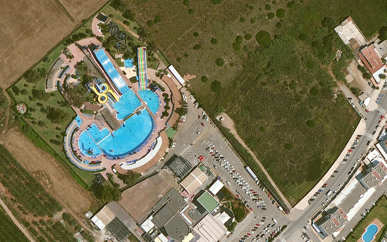 DG_Aerial_Ibiza_Spain_2011_05_30cm_natcolor_waterslide